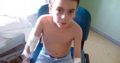 Darío, de 7 años, padece una enfermedad rara que afecta al sistema inmunitario./ Cedida.
