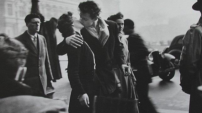 El beso del Ayuntamiento en París, 1950- Robert Doisneau