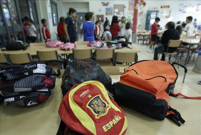 Mochilas en un aula./ eldiario.es