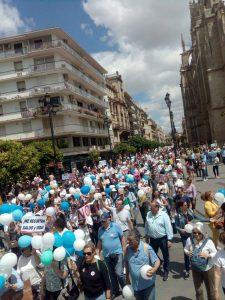Cola de la manifestación en Sevilla convocada por la Asociación Justicia por la Sanidad.