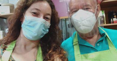 Maribel y Manolo, parte del equipo de voluntariado de Oxfam Intermón Jerez./ Cedida